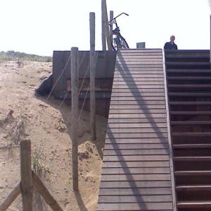 wheelchair-ramp-beach