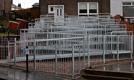 10 level steel wheelchair ramp dumbfounds dunbartonshire for Building a wheelchair accessible home
