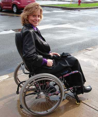 monroe-disabled-naked-girl-in-wheelchair