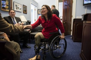 us-representative-tammy-duckworth-a-double-amputee-champions-for-people-with-disabilities1-e1399900921126
